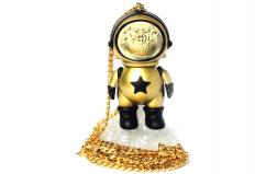 Dum English Gold Star Skull Astronaut chain